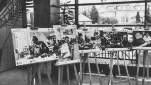 Fotografie przedstawiające osoby pracujące w PES